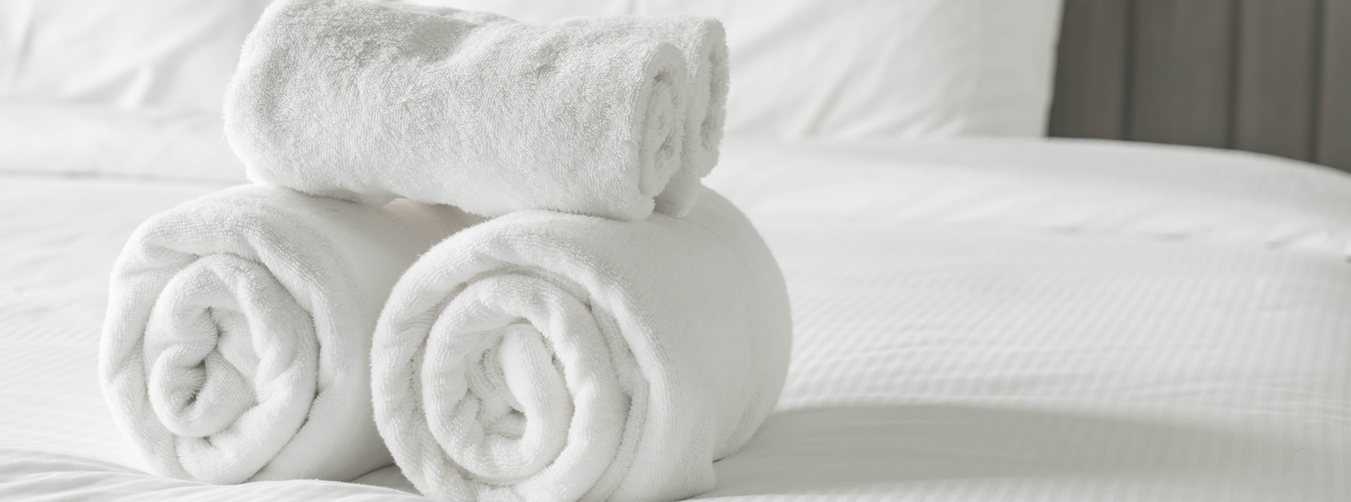 towels-on-bed
